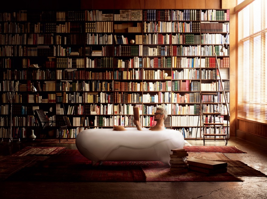 Bath-tub-in-home-library